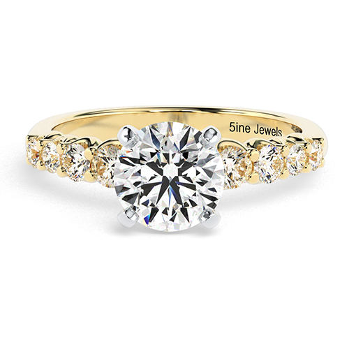 Round Brilliant Cut Graduated  Side Stone  Engagement Ring