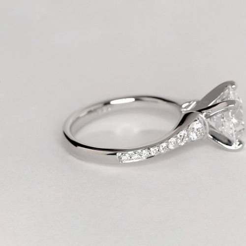 1.35 Cts SI2 F Descending Round Cut Diamond Engagement Ring 18K White Gold