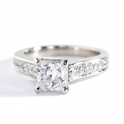 1.20 Carats SI2 F Graduated Princess Cut Diamond Engagement Ring Platinum