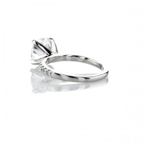 1.25 Carats SI2 D Petite Round Cut Diamond Engagement Ring Platinum