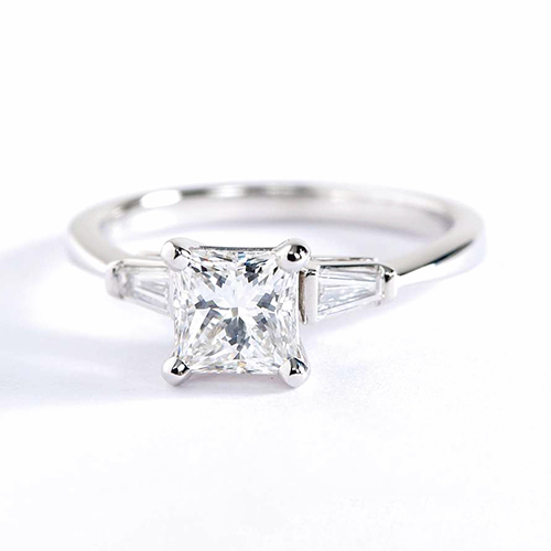 GIA Certified 0.7 Ct VS2 F Classic Princess Diamond 3 Stone Ring 18K White Gold