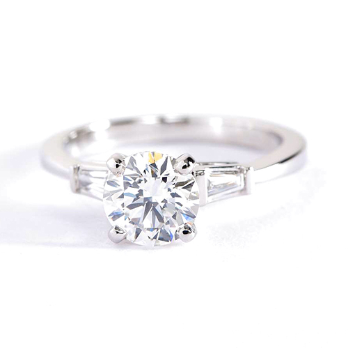1.2 Carats SI2 G Classic Round Brilliant Diamond 3 Stone Ring 18K White Gold