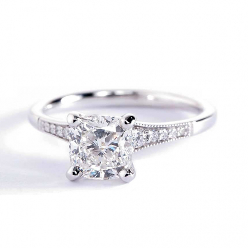 1.15 Carats SI2 F Graduated Milgrain Cushion Diamond Engagement Ring Platinum