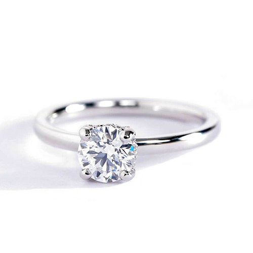 0.65 Carat SI2 F Collet Set Round Cut Diamond Engagement Ring Platinum