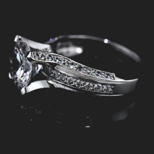 2.25 Ct SI2 G Round Brilliant Cut Heavy Diamond Engagement Ring 18K Gold