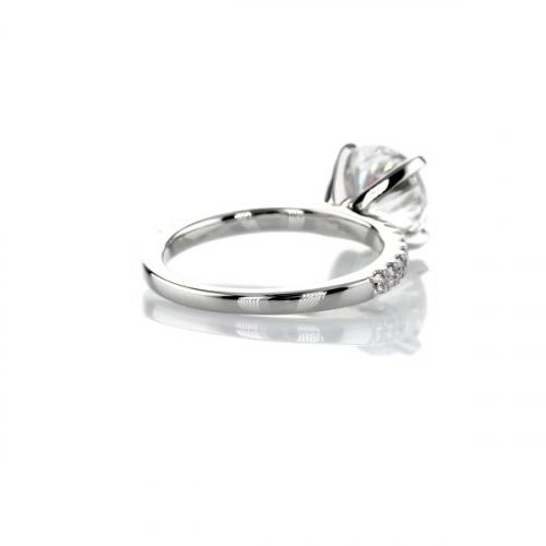 IGI Certified 1.75 Carats SI2 F Petite Round Cut Diamond Engagement Ring Platinum