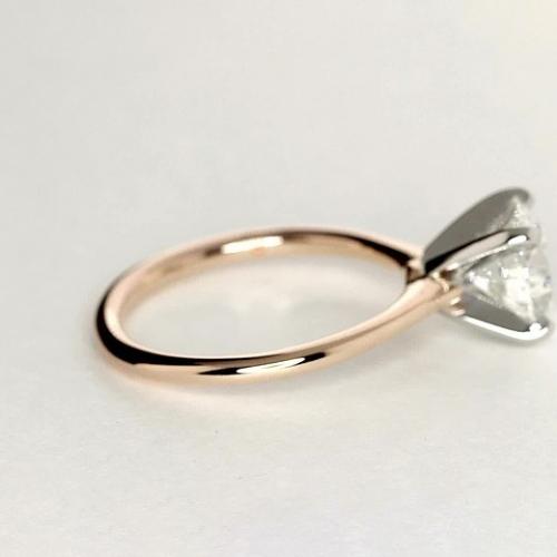 0.70 Ct VS2 H Petite Round Cut Solitaire Diamond Engagement Ring 18K-Rose Gold
