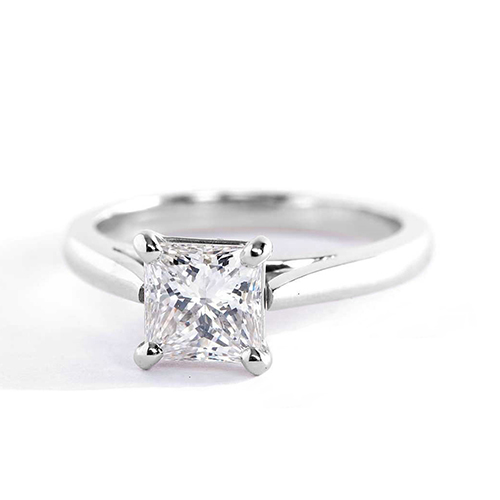 0.90 Ct VS2 F Classic Cathedral Princess Diamond Engagement Ring 18K- Gold