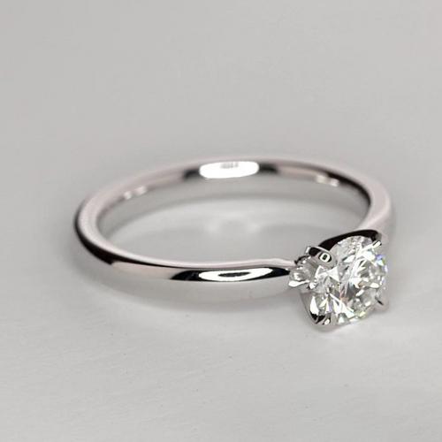 0.90 Ct SI2 F Comfort fit Round Cut Solitaire Diamond Engagement Ring Platinum