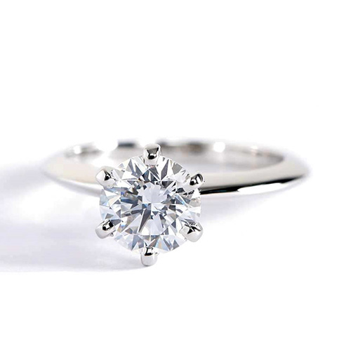 0.90 Carat SI2 F Tapered Round Cut Solitaire Diamond Engagement Ring Platinum