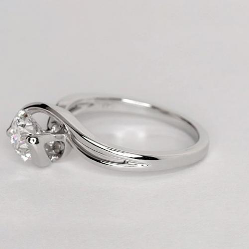 1 Ct SI2 D Contemporary Twist Round Solitaire Diamond Engagement Ring Platinum
