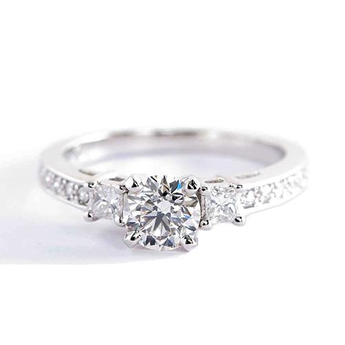 1.90 Ct SI2 H Round Brilliant Cut Vintage Diamond Three Stone Engagement Ring
