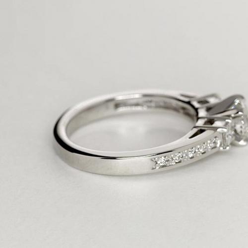 1.90 Ct SI2 H Round Brilliant Cut Vintage Diamond Three Stone Engagement Ring 18K-White Gold